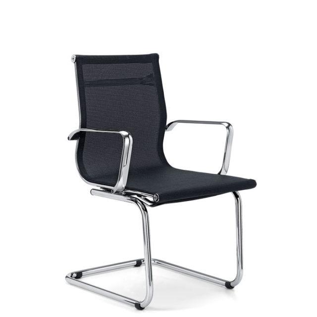 sedia da ufficio con braccioli e struttura in acciaio lucido e seduta nera