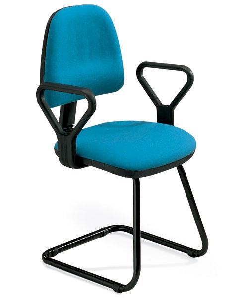 sedia da ufficio o sala d'aspetto con braccioli e base a slitta con seduta azzurra