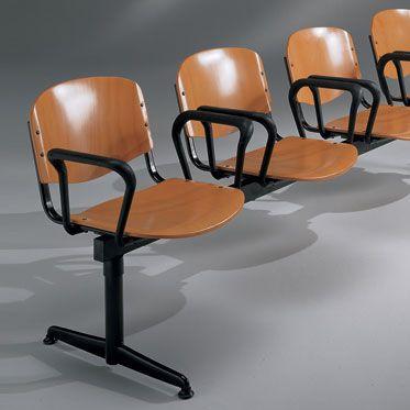 set sedie per conferenze con barra d'appogio in acciaio nero con schienale e suda in legno di faggio