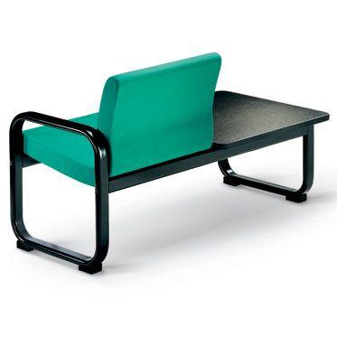 combinazione seduta per sala d'attesa e tavolino nero