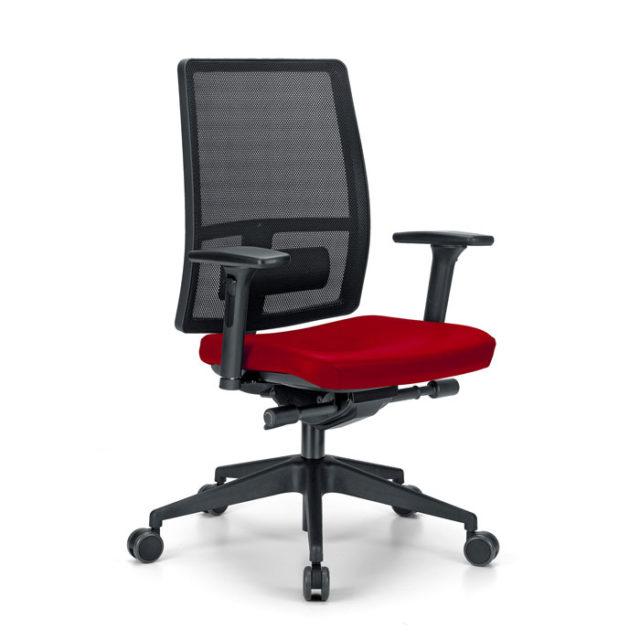 sedia ufficio con ruote e con seduta rossa e schienale nero