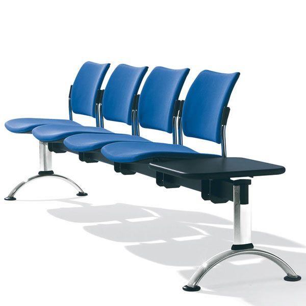 composizione sedie per sala d'attesa con base in acciaio e tavoliono nero