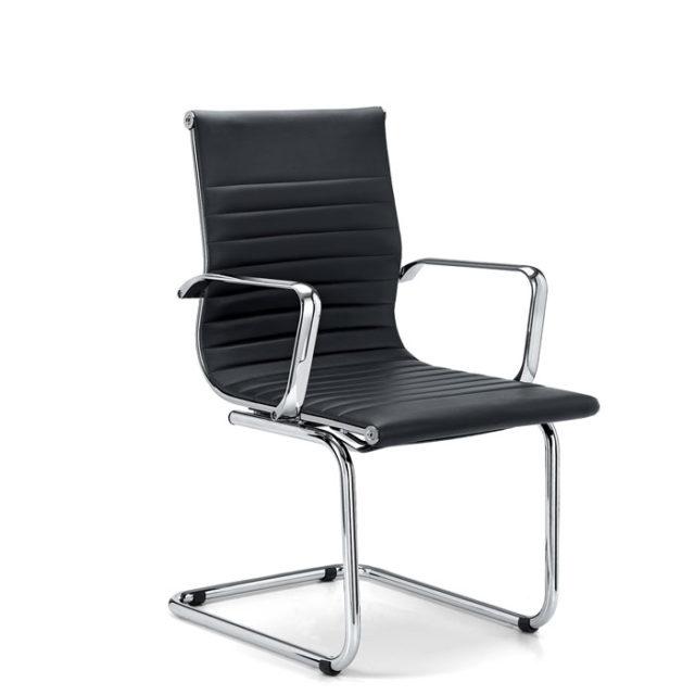sedia ufficio con base a slitta e struttura in acciaio cromato con seduta in pelle o ecopelle