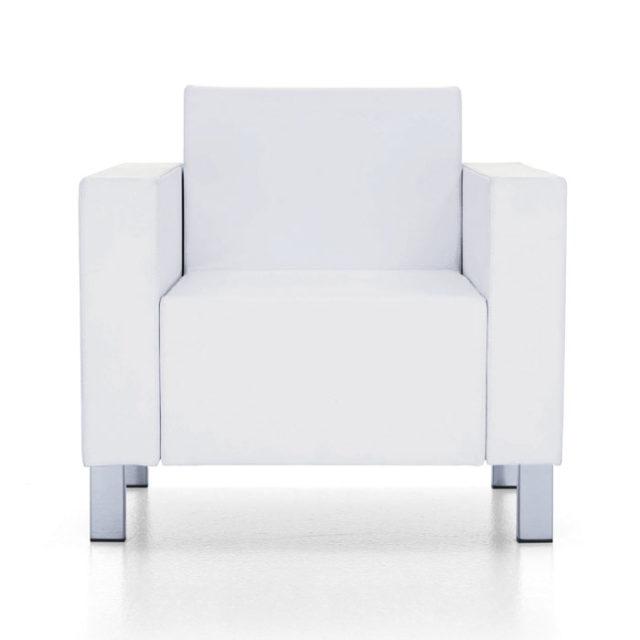 poltrona per sala d'attesa imbottita dal design squadrato con piedini in acciaio