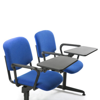 Koinè 430 beam seating with armrest and writing tablet