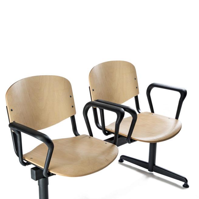 Koinè 450 - Sedute su trave in faggio con braccioli