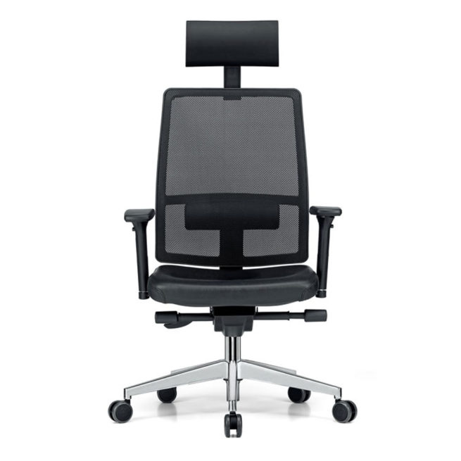 Dynamic 200 office armchair Front View