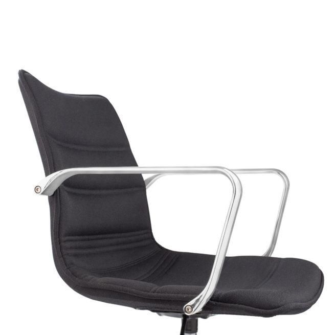 Sally 900 - Swivel waiting armchair on wheels
