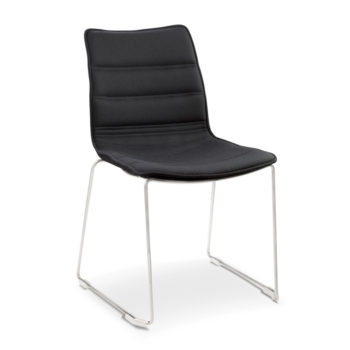 Sally 940 chair with cantilever base