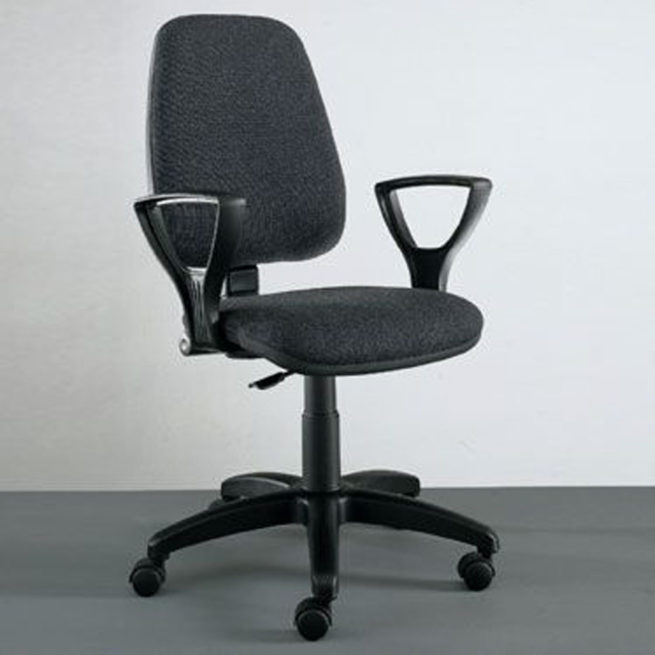 Praga 170 office chair with armrests